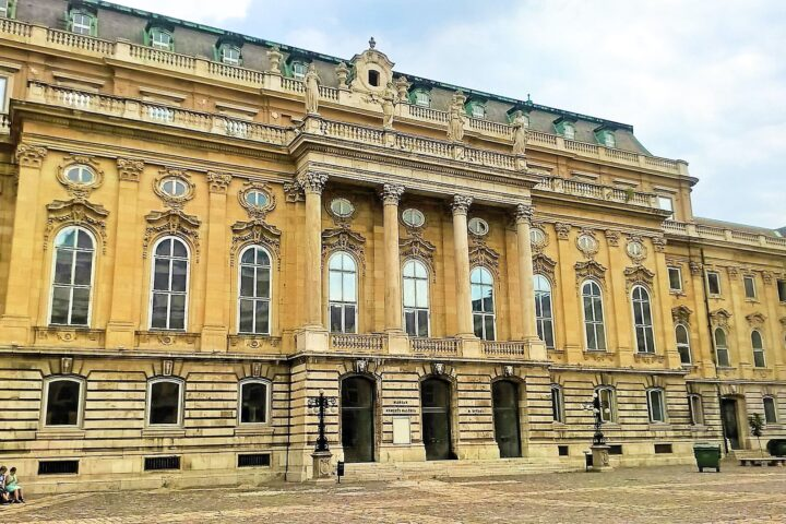Full Day Budapest Private Walking Tour