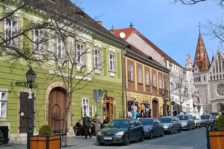 Buda Castle District. Buda Castle Walk - Buda Walking Tour