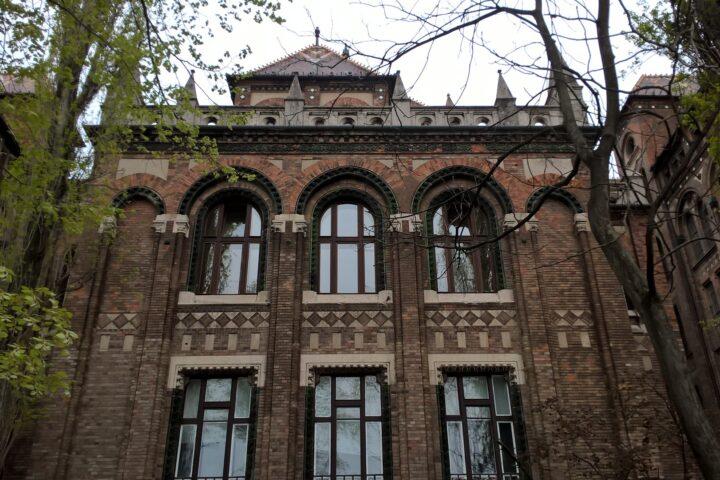The National Archives, Buda Castle District. Buda Castle Walk - Buda Walking Tour